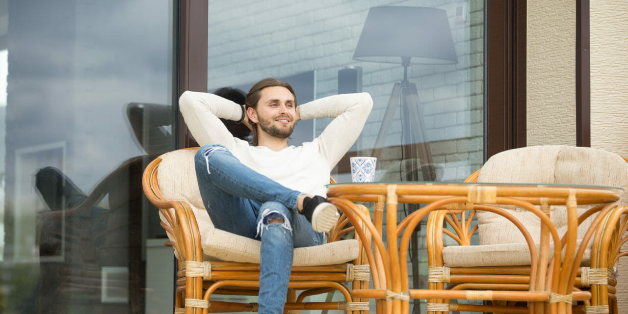 https://hypo14.de/wp-content/uploads/2020/05/Canva-Smiling-relaxed-man-enjoying-pleasant-morning-sitting-on-terrace-outdoor-1280x640.jpg